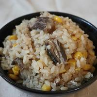 【簡単!】缶詰で作れる!サバとコーンのスタミナ炊き込みご飯