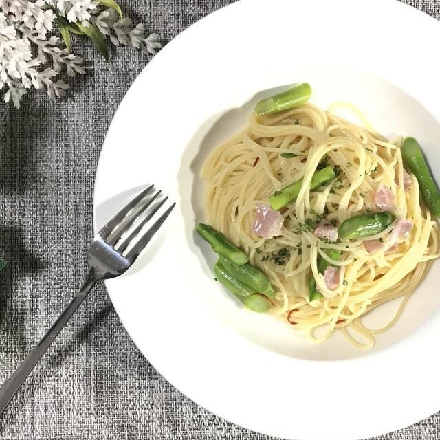 旬なアスパラとベーコンのペペロンチーノの作り方・レシピ