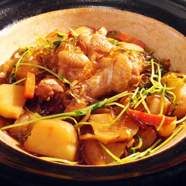 土鍋で手羽元と野菜と春雨のスープ煮込み☆黒糖と酢がポイント♪ほくほくジャガイモ※節約※簡単