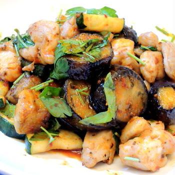 味付けはハリッサにお任せ☆鶏肉と野菜のハリッサソテー♪