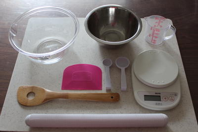 パン作り初心者さんのためのお道具がついてくる基本のパン講座