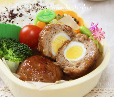 うずら卵入りコロコロハンバーグ