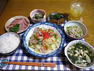 【夕食】焼きビーフン・焼き豚・おくらのじゃこ和え…