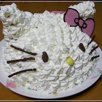 次女のバースディケーキ*立体キティ*