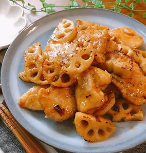 フライパンde簡単♡鶏むね肉とれんこんのバター醤油照り焼き