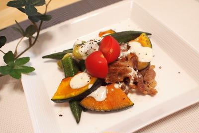 余った野菜で作る豚肉とオクラの味噌炒めwith豆乳ソースと、恋人と別れた後の思い出の品。
