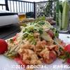 きゅうり・トマトのエスニックマカロニサラダ