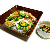 ドレッシングをマゼマゼ♪彩り野菜たっぷり☆ささみときのこのさっぱりヘルシーサラダチャプチェ