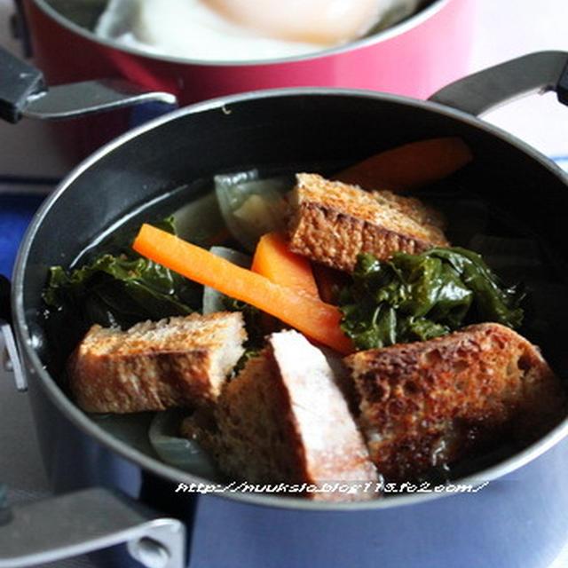~先週木曜のランチ~ パン入りスープ(カンパ@ヨーグルト酵母)