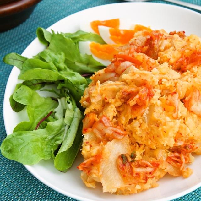 材料3つで簡単美味しい☆キムチのポテトサラダ