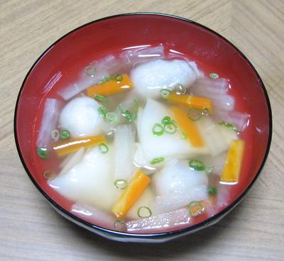 米粉餃子の皮ですいとん風いも煮汁