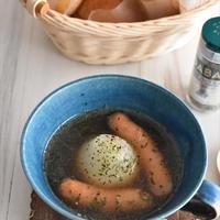レンジで4分!丸ごと新玉ねぎとウインナーのとろとろスープ