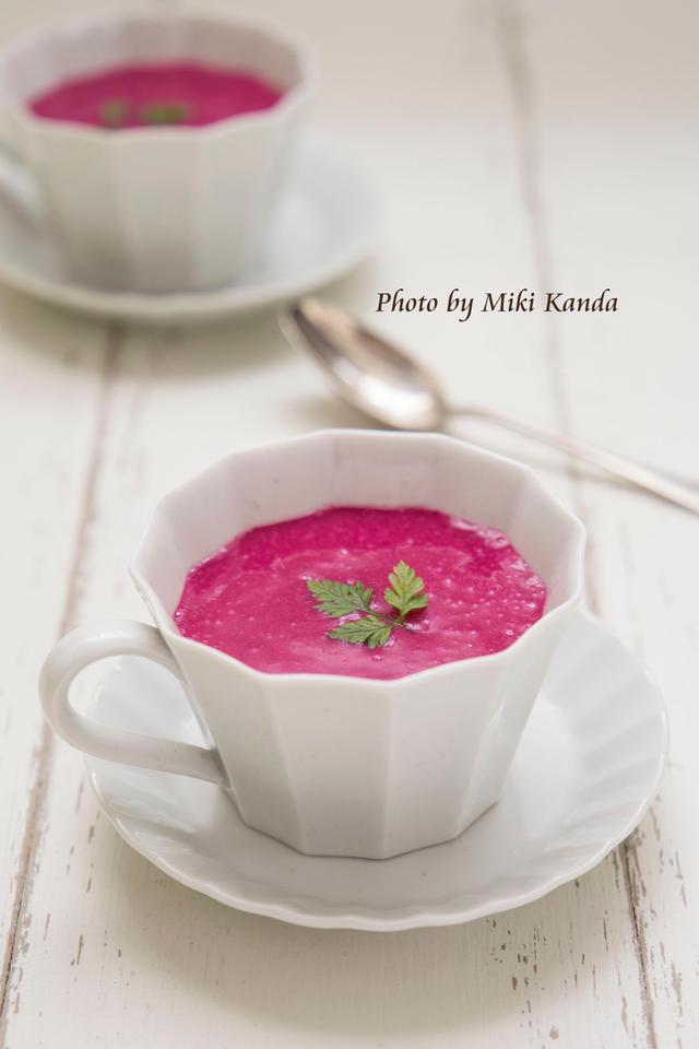 ビーツで作る鮮やかな冷製スープ