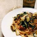 無水ミートソースに野菜のソテーをたっぷりのせたスパゲティ