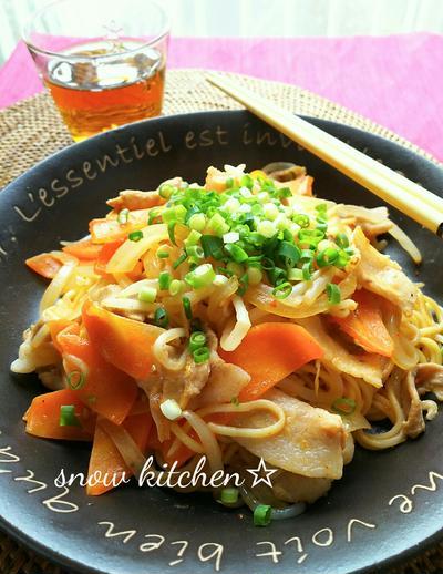 キムチ鍋の素で作る☆焼きそば