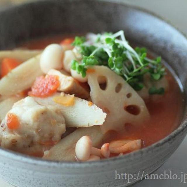 もちもちつるん里芋すいとんトマトみそスープ