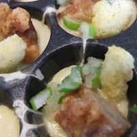 鶏の唐揚げ入りたこ焼きと、チキンカレーたこ焼きで、ぐびり。