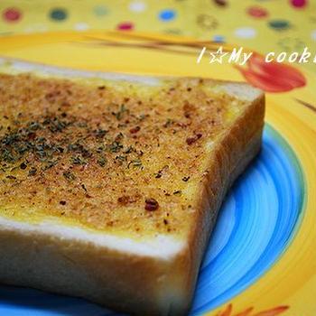KALDI「ぬって焼いたらカレーパン」で食パンがカレーパンに☆