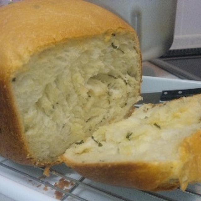 バジルと生クリームのパン