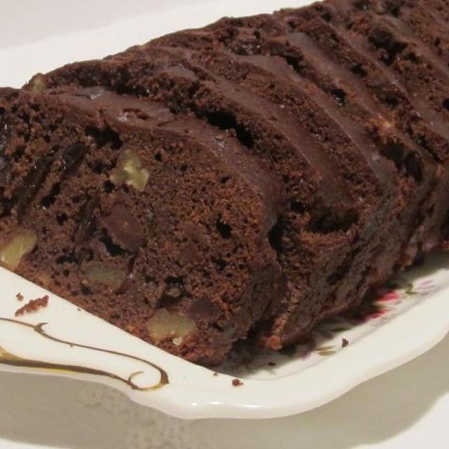チョコレートとチェリーのフルーツケーキ