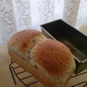 黒ごまミニ食パン♪から揚げサンド・あんバターサンド♪