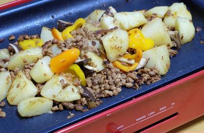 大豆のお肉にバター醤油香る♪和風ジャーマンポテト