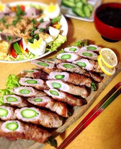 アスパラの肉巻きとなまり節と蒸し野菜のガドガドサラダ。