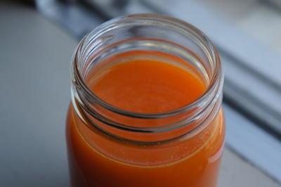 209. オレンジとリンゴとニンジンのジュース。最近の朝の習慣。