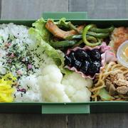 今日の中1弁当~青椒肉絲風炒め物と豆腐ハンバーグ