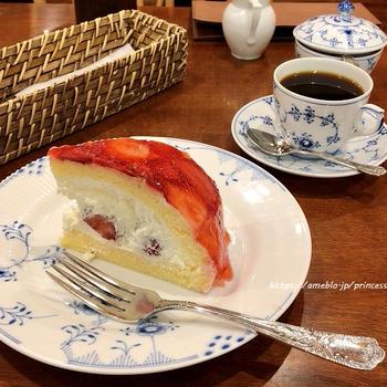 あまおう苺のズコット♡椿屋カフェ