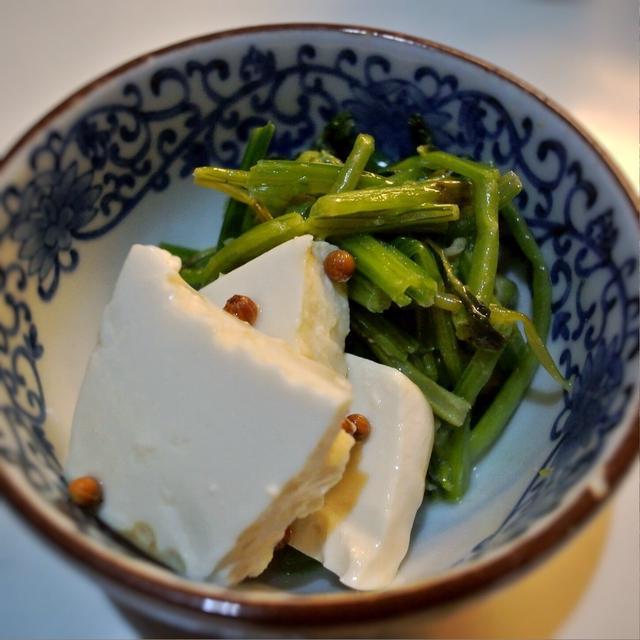 豆腐のピクルスのほうれん草添え