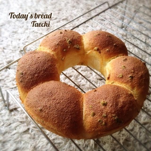 リング菓子パンとなんじゃこりゃU字成形プルマン