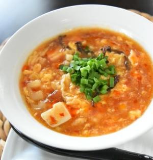 トマト酸辣湯。トマトの酸味と旨みで簡単おかずスープ。
