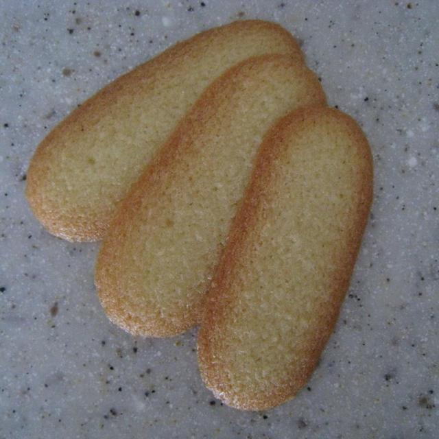 米粉のラング・ド・シャ (猫の舌のクッキー)