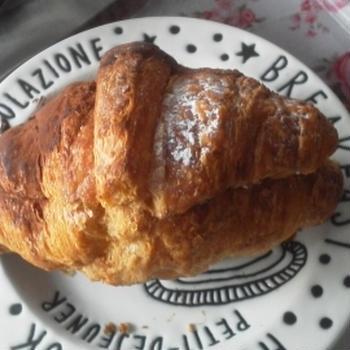 『crown bakeryのティラミスクロワッサン』