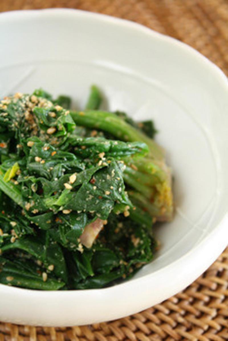 お弁当の彩りにも♪5分で作れる「ほうれん草のナムル」レシピ