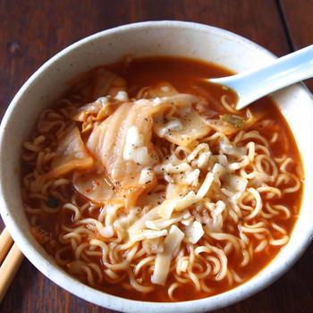 【インスタントラーメンアレンジレシピ】サッポロ一番キムチーメン