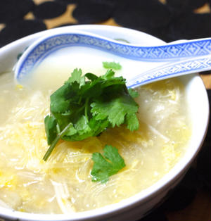 白菜と春雨のサンラータン風スープ