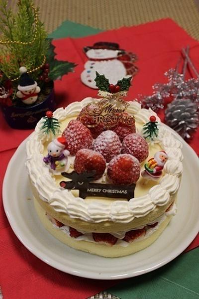クックパドさんの人気検索で1位【市販のスポンジでズボラなクリスマスケーキ 】
