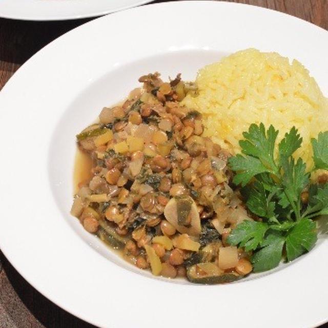 【たっぷり乾燥野菜とレンズ豆のカレー】旅先の 野菜不足の 反動で