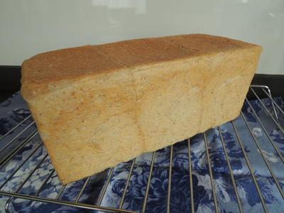 ライ麦角食パン