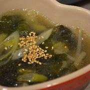 美味しすぎの韓国の調味料 牛ダシダでわかめスープ♪