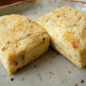 チーズとたまねぎのスコーン