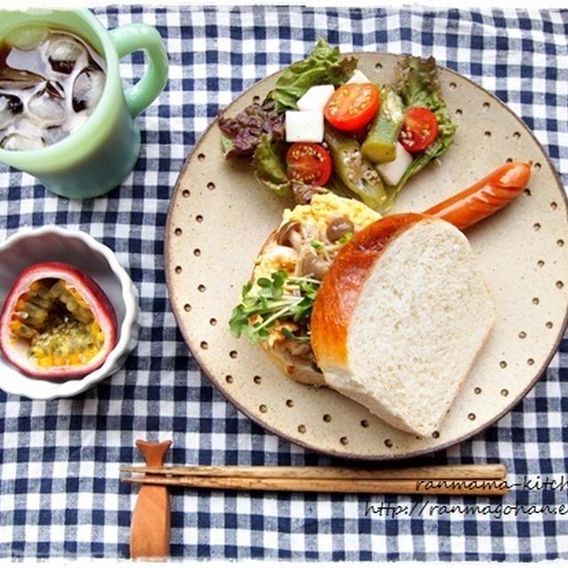 山食で茸マリネとカチカチ玉子の朝ごパン♪