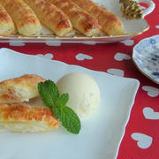 Simply wrap and bake Honey Apple Stick Pies