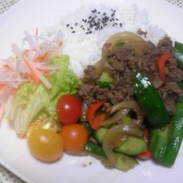 嬉しいお届けもの ~挽き肉ときゅうりの炒め物のレシピ~♪