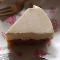 <混ぜて固めるだけ~バニラの香りの簡単レアチーズケーキ>