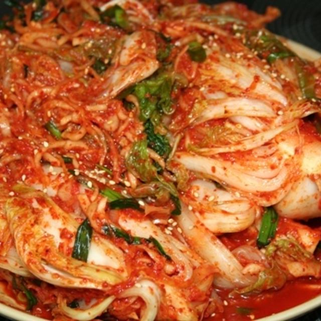 キムジャン(김장) --  本格的な白菜キムチ漬け。