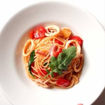 【蓋して簡単!】いかとルッコラのオイルパスタのレシピ