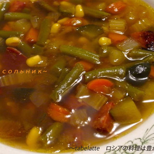 Рассольник塩漬け胡瓜入りスープ